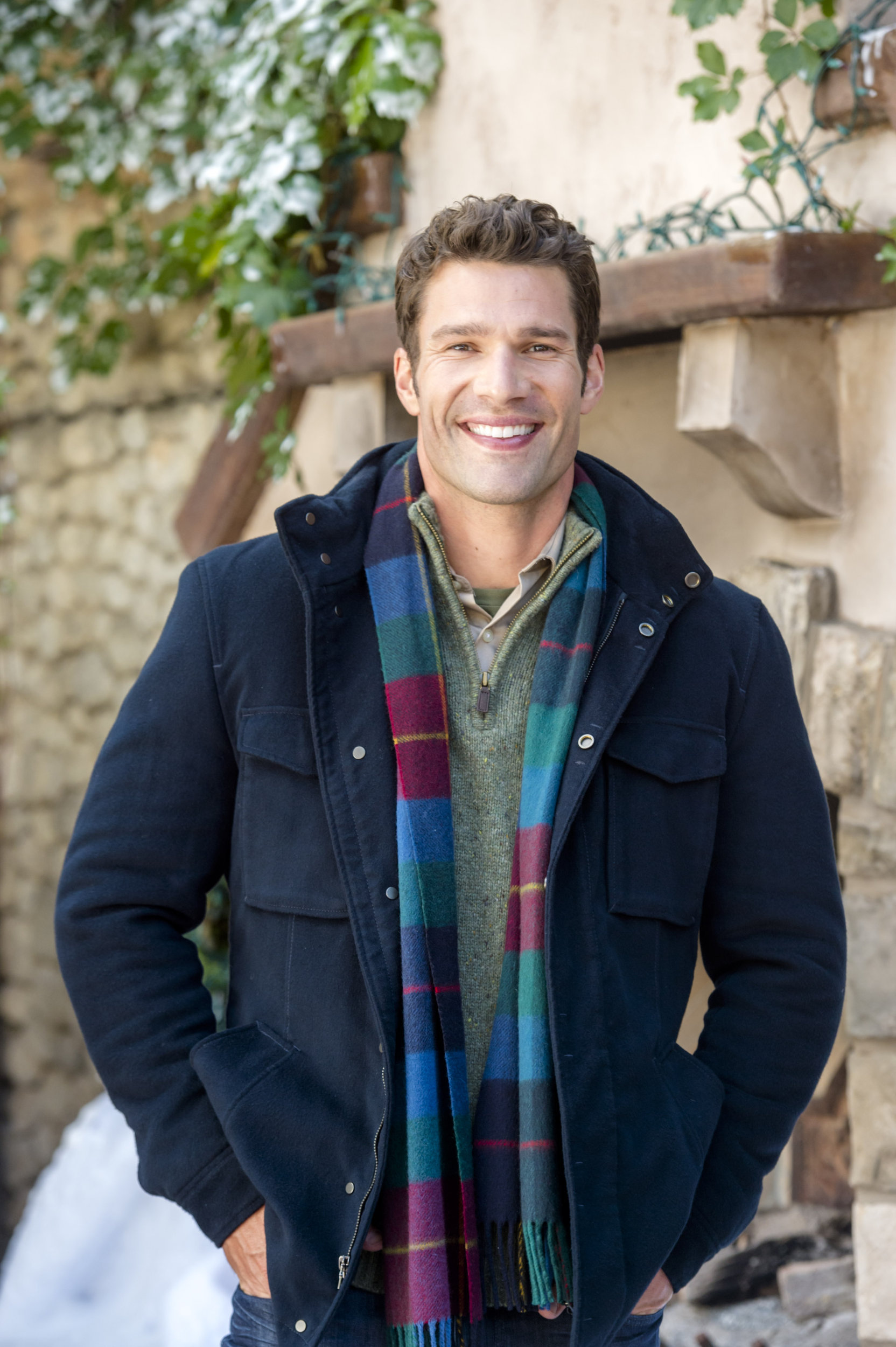 12 Gifts Of Christmas Cast.Aaron O Connell On My Christmas Love Hallmark Channel