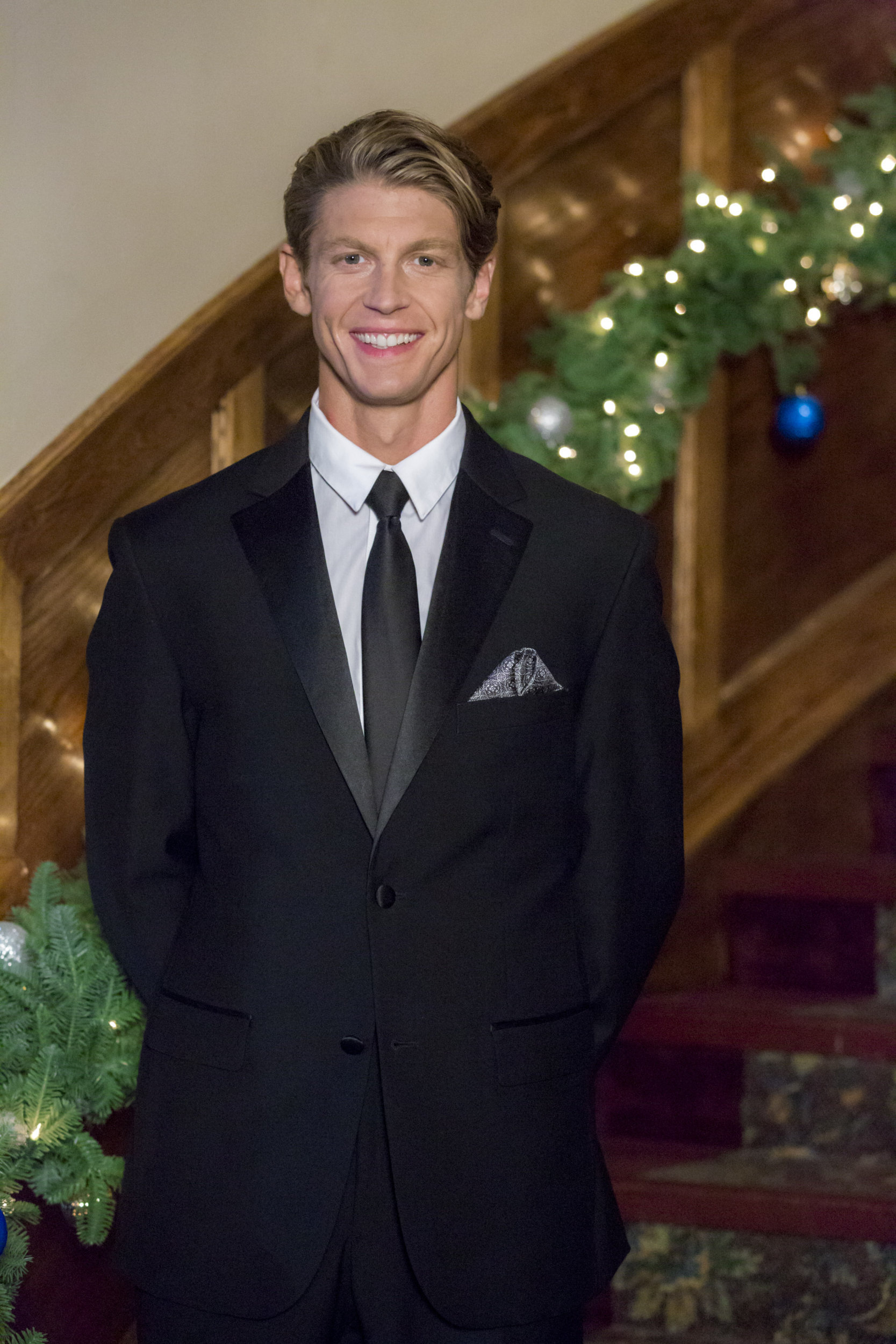 andrew francis as kip marley on coming home for christmas hallmark channel - Coming Home For Christmas