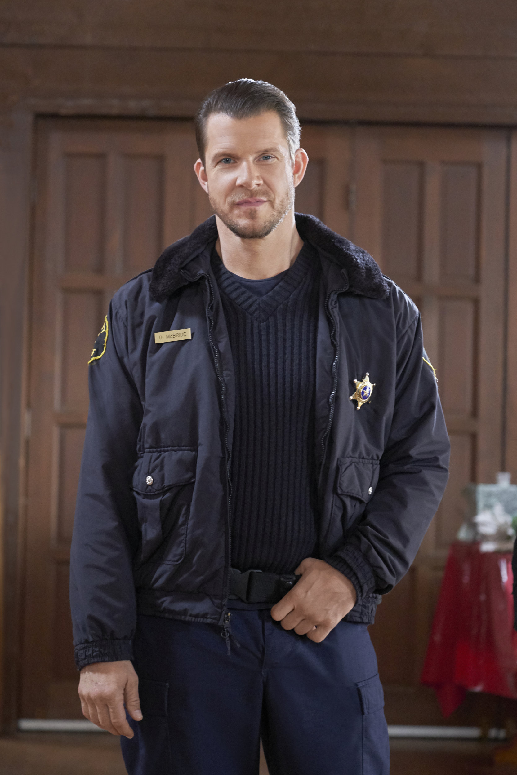 Welcome To Christmas.Eric Mabius As Gage On Welcome To Christmas Hallmark Channel