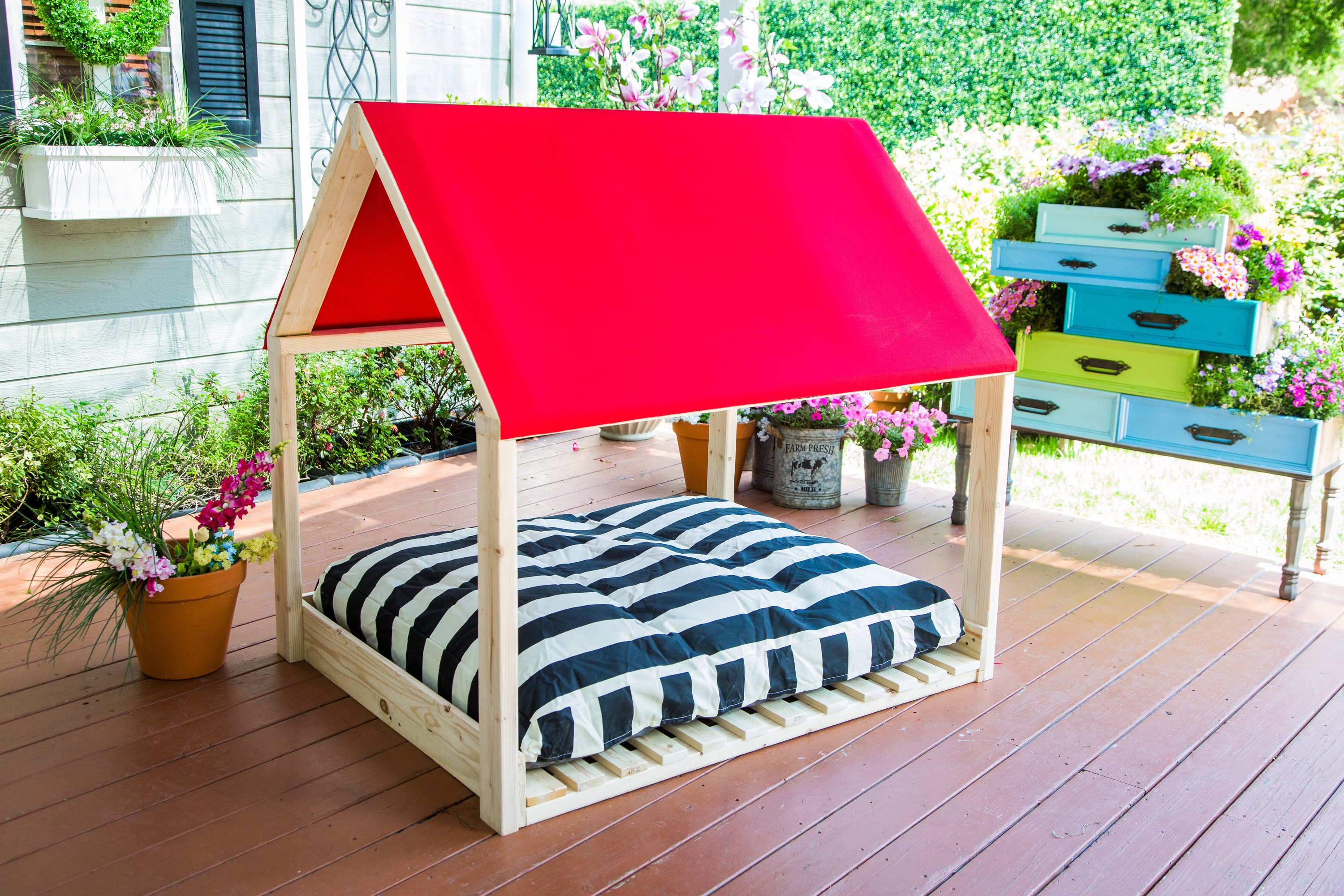 How To Diy Outdoor Dog Bed Hallmark