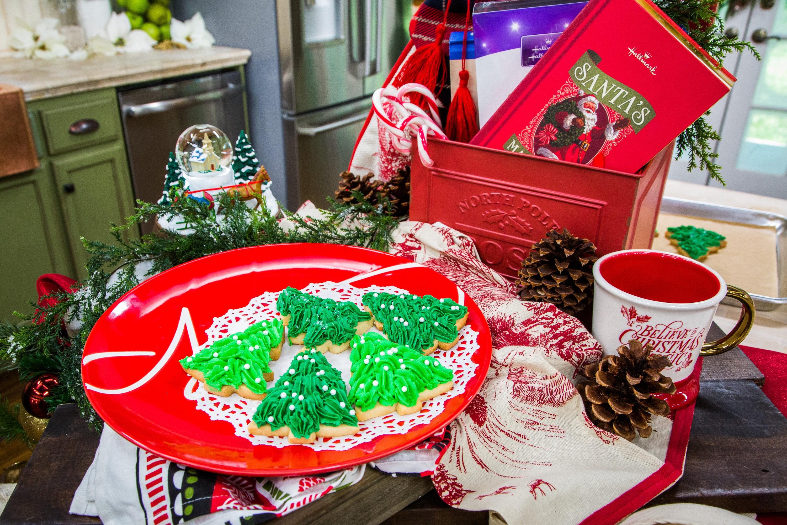 Recipes - Vermont Christmas Card Cookies | Hallmark Channel