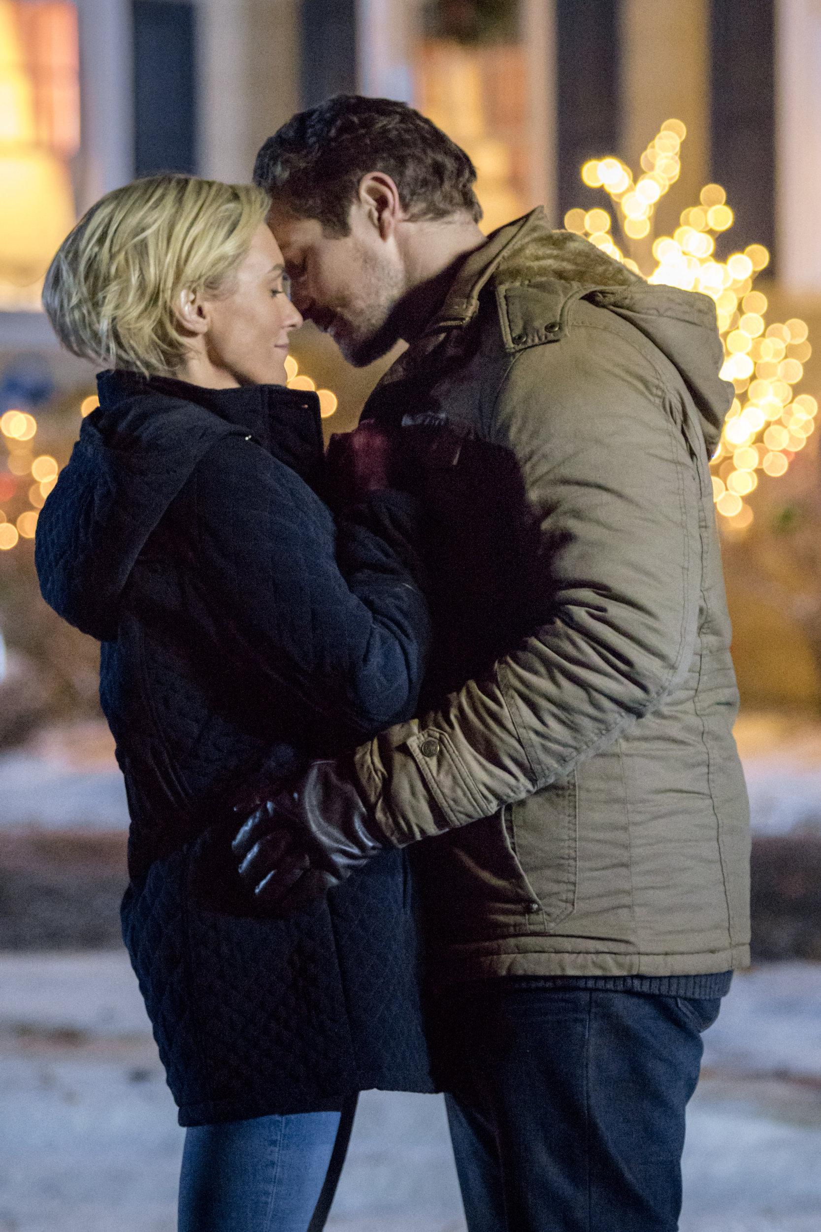 hallmark romance at reindeer lodge