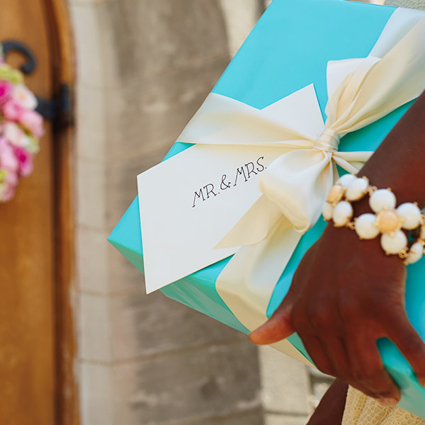 June Wedding Ideas: Wedding Wishes: What To Write In A Wedding Card